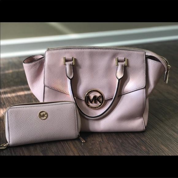 Michael Kors Handbags - Michael Kors Purse & Wallet Set